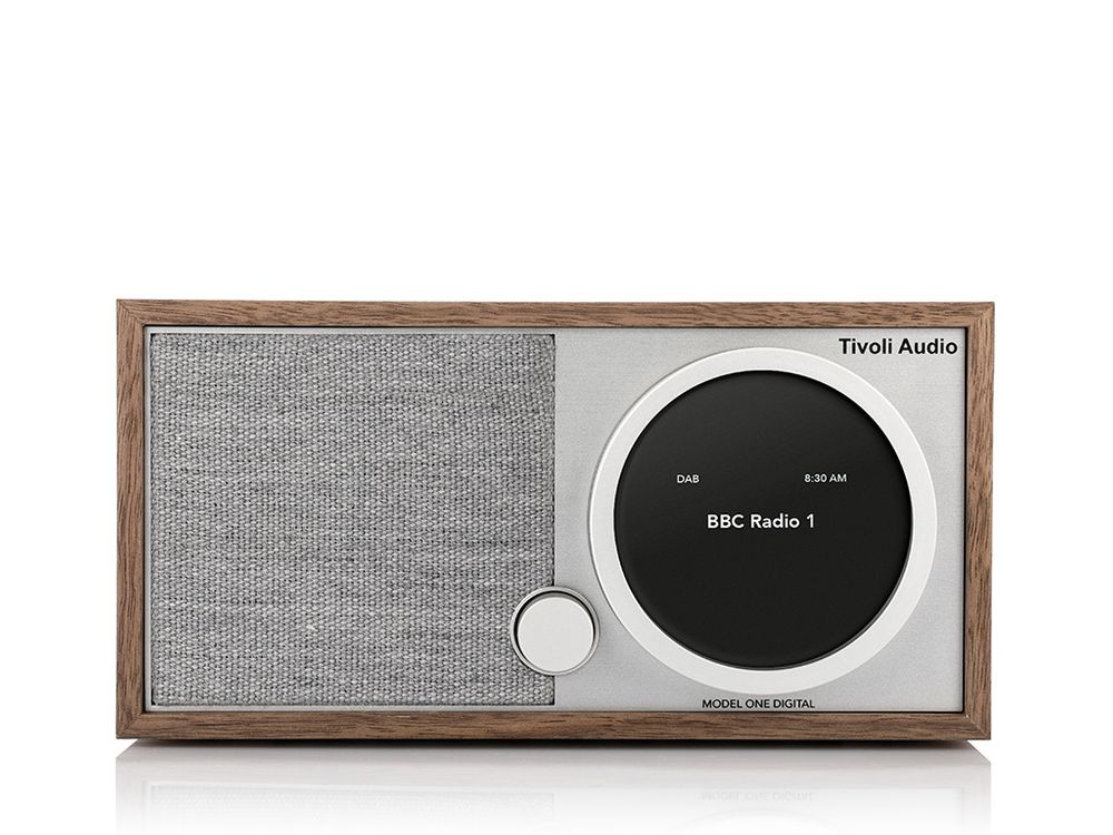 tivoli model one digital noyer gris radio fm dab dab sans fil. Black Bedroom Furniture Sets. Home Design Ideas