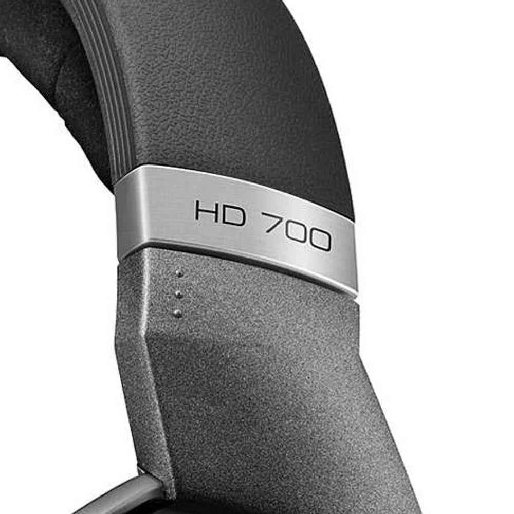 HD 700