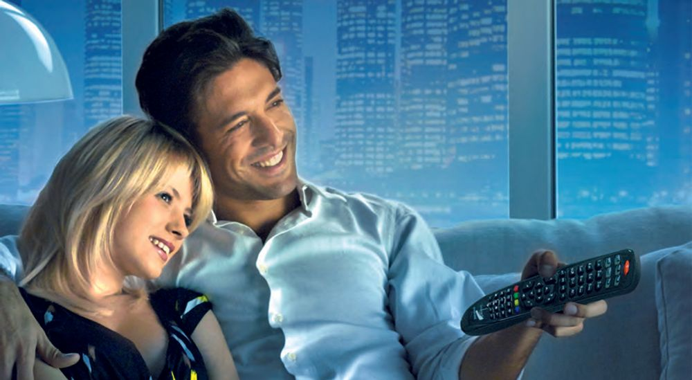 Télécommande universelle de remplacement pour 2 appareils - MELICONI® Gumbody Smart Senior 2